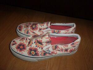 chaussure vans fleur rouge