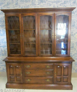 Ethan Allen Classic Manor Maple Grilled Full Glass China Cabinet Hutch 15 6028
