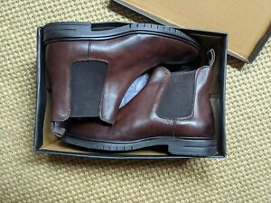 Original Rogues, John White Shoes Brown Chelsea Boots, New (box has some damage)