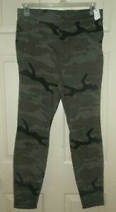New Womens Large 12-14 Green Camo Jeggings Time and Tru High Rise Ankle Fitted