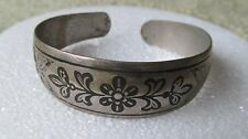 STUNNING  VINTAGE SILVER TONE ETCHED CUFF BRACELET FREE SHIPPING