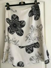 CHANEL WHITE BLACK SILK FLOWERS SKIRT