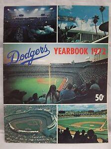 Los Angeles Dodgers Original 1972 Vintage Yearbook  Tommy Lasorda & Steve Garvey