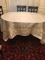 table cover ivory 106x72