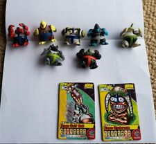 ORIGINAL BEN 10 SUMO SLAMMERS.  7 x MIXED WITH 2 COLLECTIBLE CARDS. GUC
