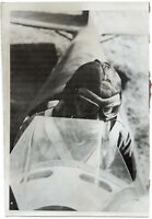 Prüfmeister einer Kampfgruppe im Klemmflugzeug. Orig-Pressephoto, von 1942