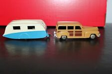 DINKY TOYS  Woody Wagon and Caravan