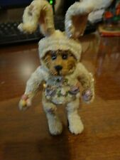 Boyds Bears & Friends Collectible # 2E4849 Bear with Easter Eggs sits stands