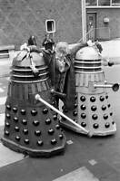 OLD DOCTOR WHO TV SERIES PHOTO Jon Pertwee as Dr Who 1970s 8
