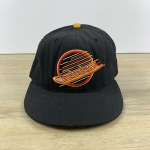 VINTAGE Vancouver Canucks NHL New Era 59FIFTY Size 6 7/8 Fitted Cap Hat