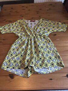 Boohoo Size 12 Acid Yellow White Black Patterned Playsuit V Neck Shorts