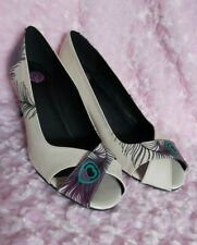 Women's Tuk Pump Heels Shoes Size Size 9 White Purple Leather Peacock Peep...