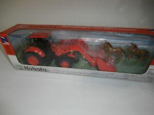 NewRay Kubota M5-111 Tractor with Loader Horses Farm Ranch Playset