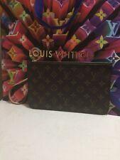 Authentic Louis Vuitton Monogram Neverfull MM Pochette Beige Interior
