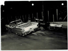 2 Stunt Car Thrill Show 1950's FORD Gabriel USO Amortiguadores Original Photo