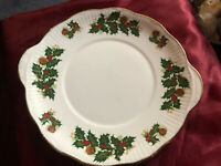 Gorgeous QUEENS ROSINA China YULETIDE Handled Cake Plate Christmas Holly England