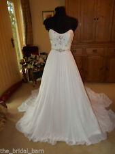 Chiffon Scoop Neck A-line Sleeveless Wedding Dresses