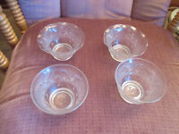 Berry Bowls Lot of 4 Vintage Anchor Hocking Sandwich Glass 2 Ruffled 2 banded