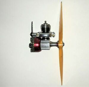 Cox 020 .020 Pee Wee Model Airplane Engine with Throttle Control 0.32сс