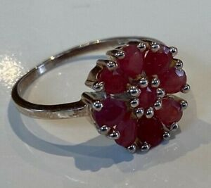 BEAUTIFUL VINTAGE  STERLING SILVER GENUINE RUBY RING CLUSTER DAISY HEAD