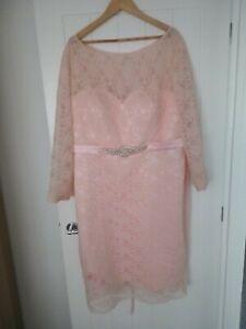 Wedding dress size / evening dress  20/22