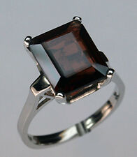 Garnet Solitaire White Gold Ring