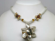 Ivory Simulated Pearl Shell Flower Necklace Set s0310