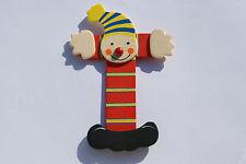 Lettre prenom de porte clown en bois T rouge - Décoration de porte **