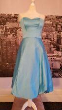Ropa, calzado y complementos de dama de honor de color principal azul sin mangas