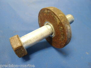 831779 Crankshaft Screw (for the 8 bolt Crankshaft) Volvo Penta AQ130D/280 4 CYL