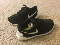Kid's Nike Free Run 5.0 Athletic Shoes Girl's Size 6Y Wom's 7B Multi-Color