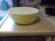 Vintage Pyrex Yellow Mixing Bowl #404- 4 Quart
