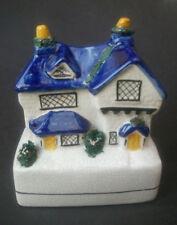 Antique Staffordshire Pottery Flatback COTTAGE Argent Banque Figurine