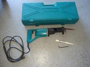Makita JR3000V 6 Amp Variable Corded Speed Reciprocating Saw w/ Case