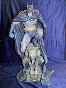 Sideshow Batman Premium Format Figure Exclusive Statue DC Comics DAMAGED