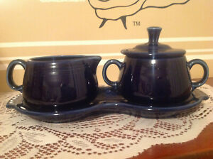 FIESTA COBALT BLUE SUGAR BOWL AND CREAMER WITH TRAY