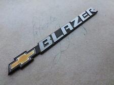 98-01 Chevrolet Blazer Side Door Fender 15733584 Logo Emblem Nameplate Decal