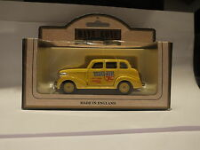 LLEDO DG48 004A 1939 CHEVROLET CAR - YELLOW CABS - FINA