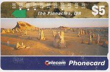 (K70-43) 1994 AU $5 The Pinnacles used phone card (AR)