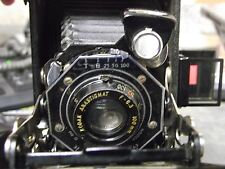 Vintage EASTMAN KODAK JUNIOR SIX-20 SERIES II Camera!