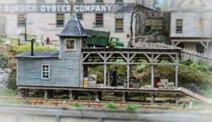 FOS Scale Limited Burdick Freight - HO Scale Kit