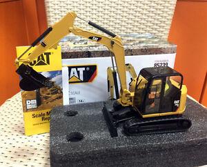 Cat 308E2 CR SB Mini Hydraulic Excavator Metal 1:32 By DieCast Masters #85239