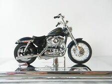BLUE HARLEY DAVIDSON 2012 XL 1200V SEVENTY-TWO DIE-CAST MODEL MOTORBIKE 1:18