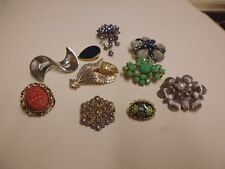 Clip Mixed Styles and Ages Lot of Brooches and Scarf