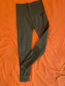 2XU Women's Hi-Rise Compression Tights Size Small in Olive Green With lower mesh