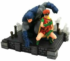 The Dark Knight Returns Batman & Carrie Kelly Gallery PVC Figure