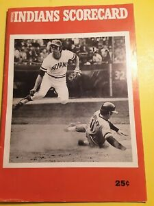 Official 1972 Cleveland Indians Baseball Scorecard Gaylord Perry, Bell Rookies