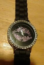 Vintage Kiss ladies watch, running with new battery NR J