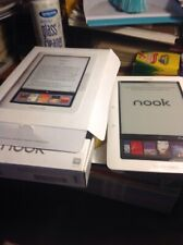 Barnes & Noble Nook E-Reader 1st Generation Model BNRV100 2gb White read descr