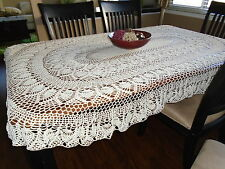"""Old Fashion Pineapple"" Oval hand crochet tablecloth - Ecru"